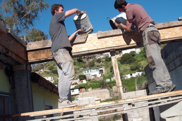 Tony y yo encontrando la casa que levantamos en Tijuana