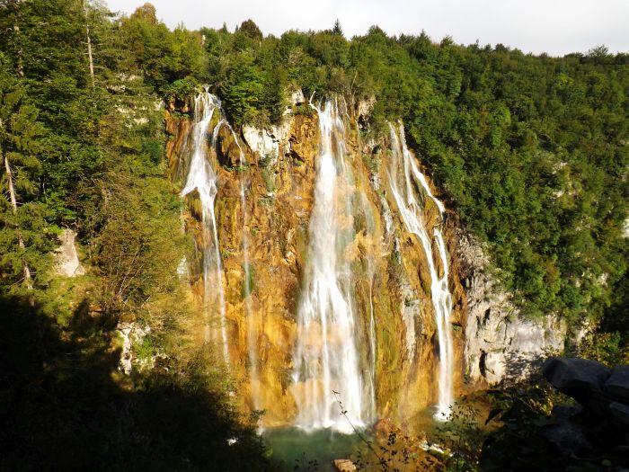 14.000 visitantes al día en verano, por 25 euros por persona y día, hacen de este parque nacional una fuente de ingresos salvaje