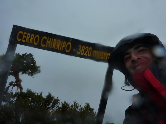 techo de Costa Rica después de 40km y 2600m positivos en un día de pocos amigos