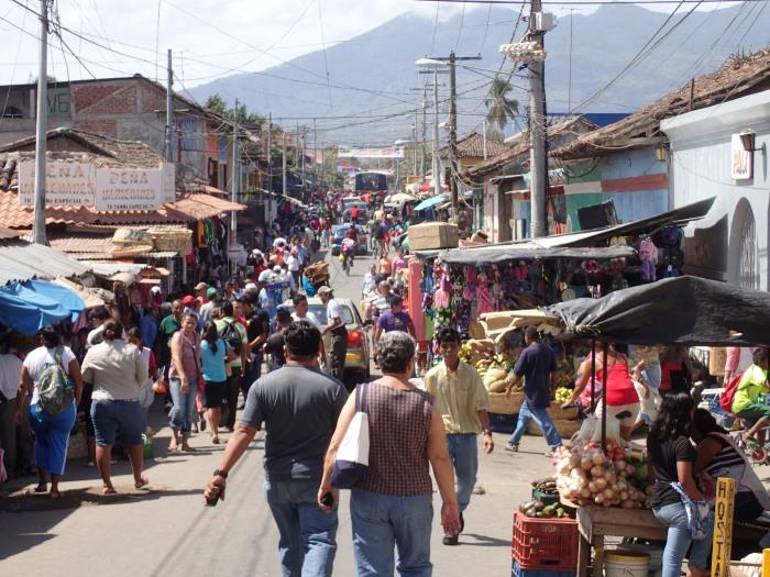 Granada de Nicaragua, ciudad con muchísima vida en la calle como su homónima española.