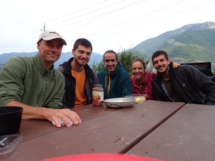 De izquierda a derecha, Jorge, Javier, Eduardo, Jessica y servidor en Squamish