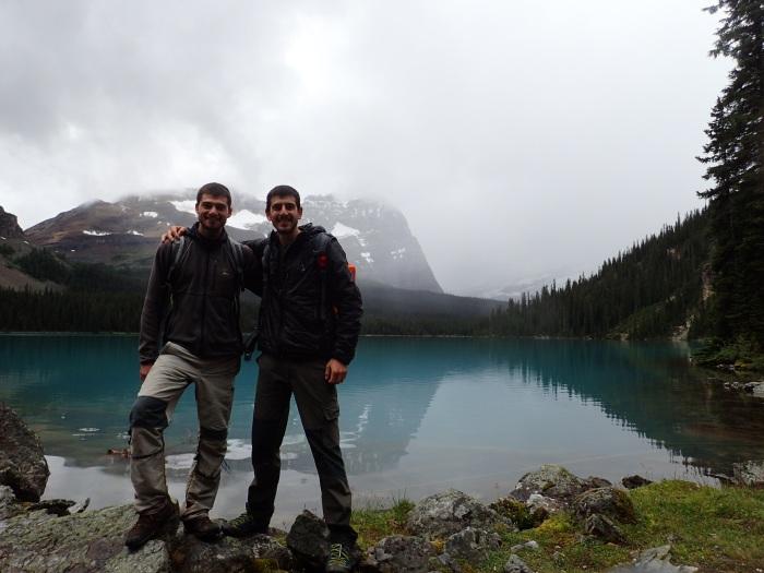 los hermanos en el Lago O'Hara