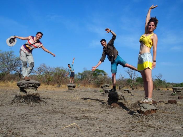 Termiteros camino de Dande