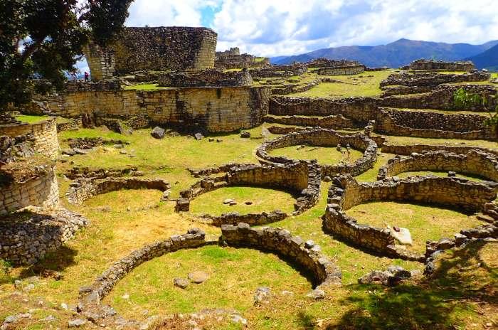 Kuélap, ciudad de la cultura Chachapoyas en lo alto de una montaña a más de 3.000 metros, Chachapoyas
