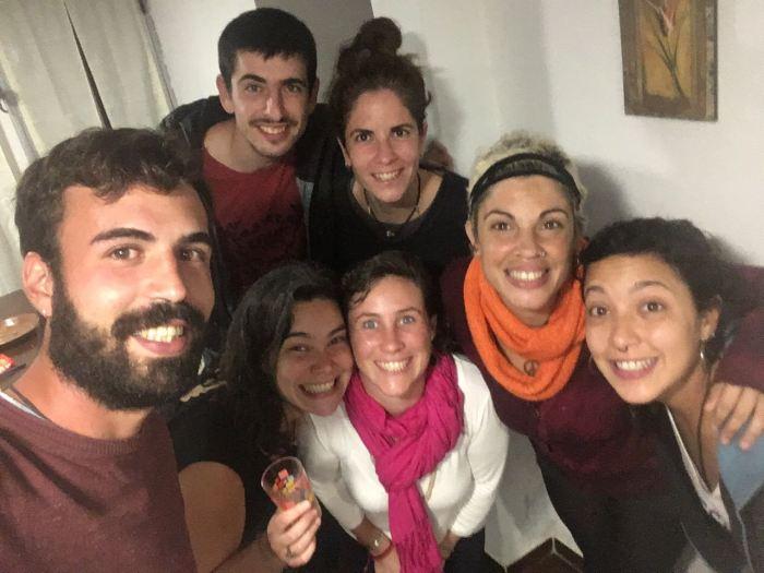 En casa de Jessica con Turco y las tres viajeras argentinas
