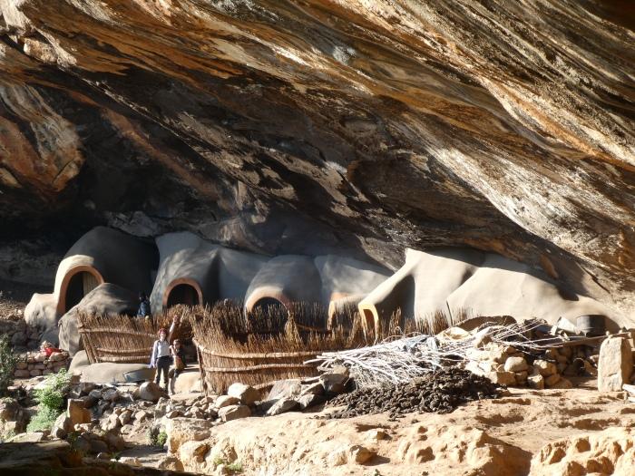 Poblado de Ha Kome construido por pobladores basotho huyendo del canivalismo, Lesotho