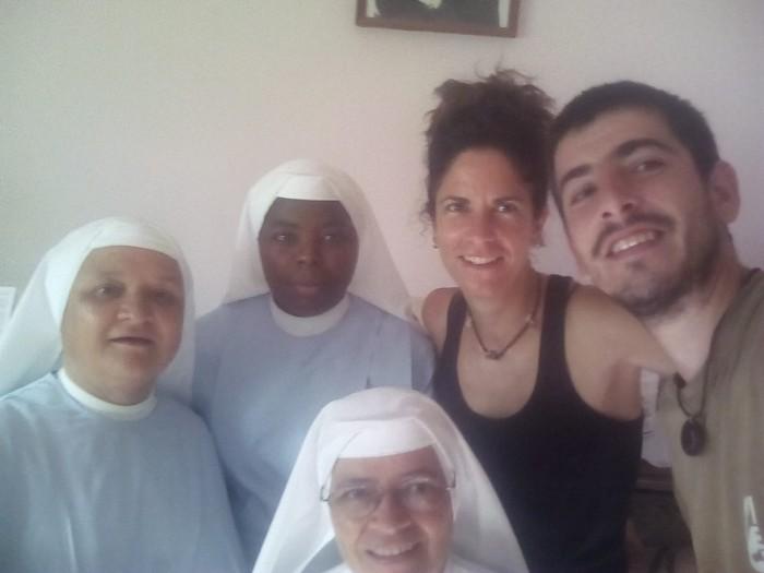 Con las hermanas pilarinas Leonor, Custodia y Carmen en Nacala