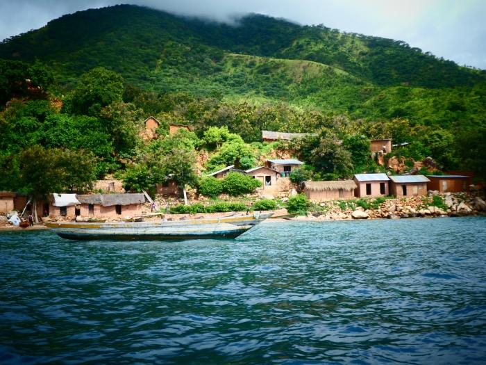 De camino al parque nacional de Gombe: tres horas de navegación en el lago Tanganica