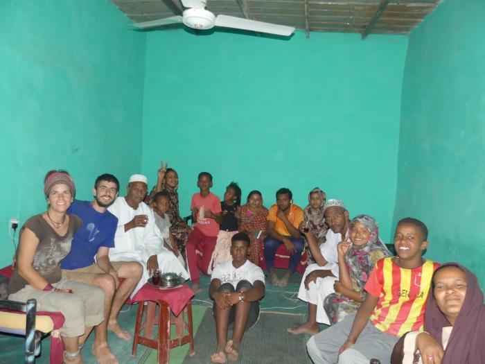 En la casa de Mohammed con toda su familia en Sabu