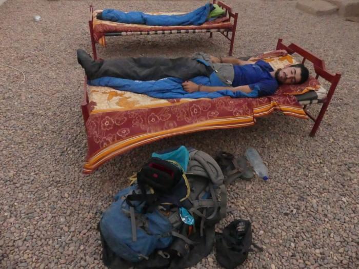Foto robada mientras dormía al estilo sudanés