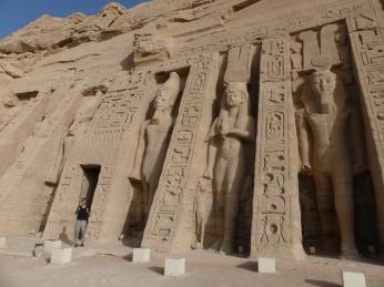 Portada templo Nefertari