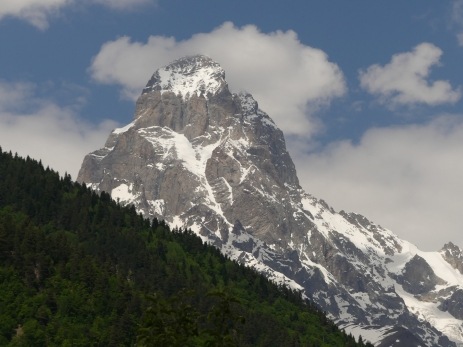 Ushba (4710 m)