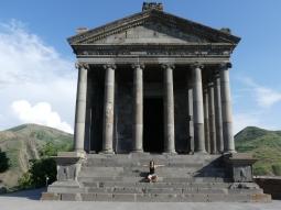 Templo romano de Garní (Siglo III)