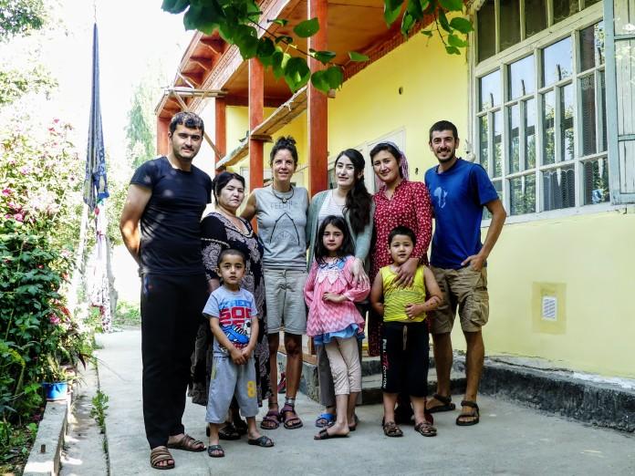 Con la familia de Parviz