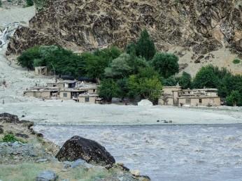 Escenas afganas de la otra orilla